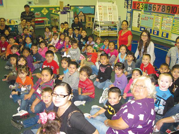 Parents Attend Head Start Open House | La Feria News