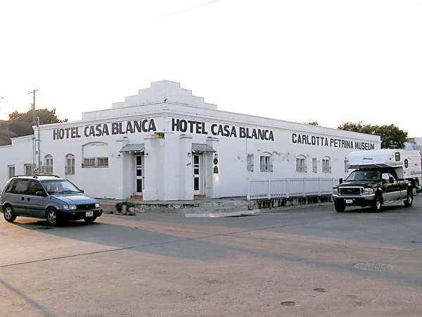 The Carlotta Petrina Museum, housed in the old Casa Blanca Hotel at 1452 E. Madison St. in Brownsville, TX. Photo: rrunrrun.blogspot.com/